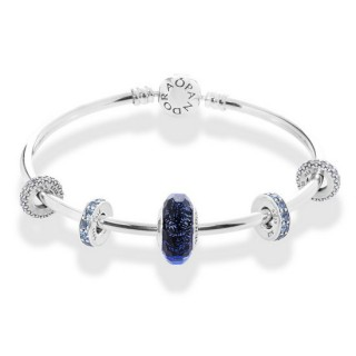 Pandora Anunciado Azul Arctic Breeze completa Bangle