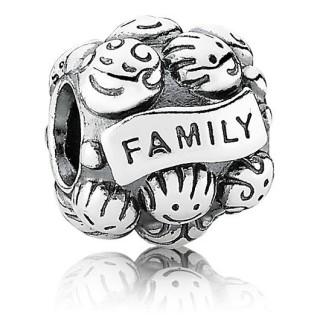 PANDORA Love & Família Charms